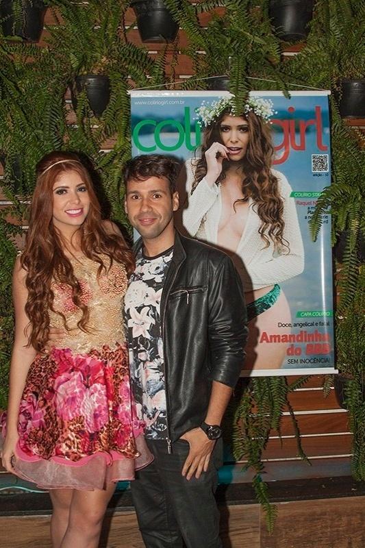 Amanda e Vinicius assumiram o namoro na festa de aniversário da ex-bbb