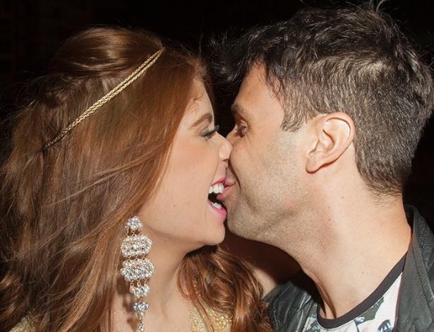 Vinicius Vieira, o Gluglu, e ex-BBB Amanda Gontijo assumem namoro