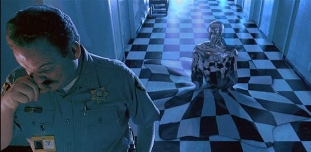 """Feito de metal líquido, o robô T-1000 chamou a atenção em """"O Exterminador do Futuro 2"""""""