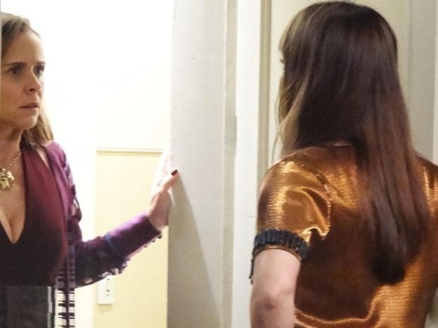 Carlota encontra Susana na casa de Homero em