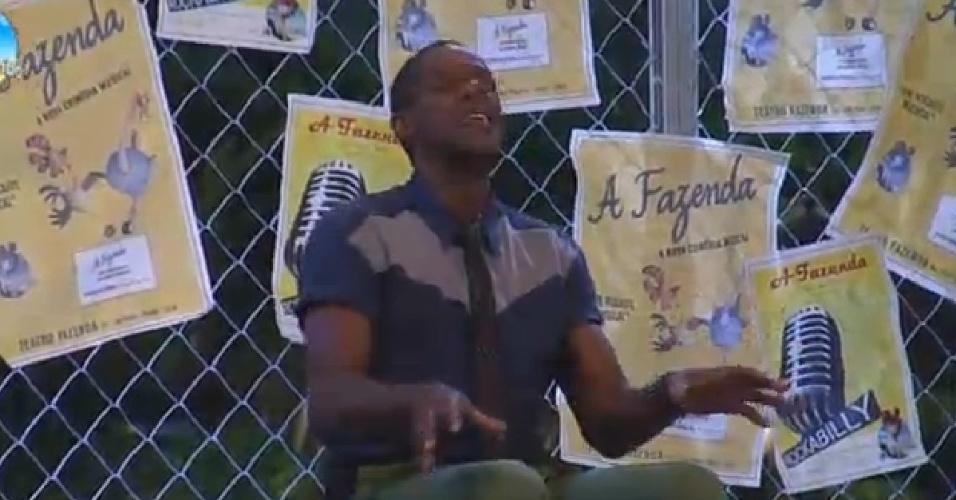 24.out.2014 - Robson Caetano aproveita festa sozinho