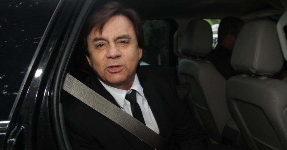 25.out.2014 - Chitãozinho chega para o casamento do sobrinho Júnior em Itatiba, no interior de São Paulo