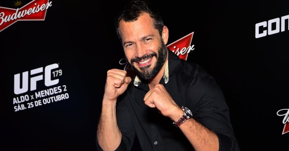 25.out.2014 - O ator Malvino Salvador vai ao UFC 179, no Maracanãzinho.