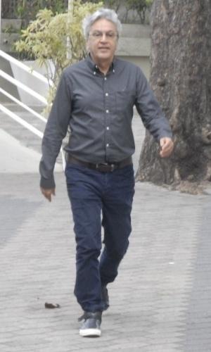 26.out.2014 - Caetano Veloso chega às 17h para votar no Rio de Janeiro