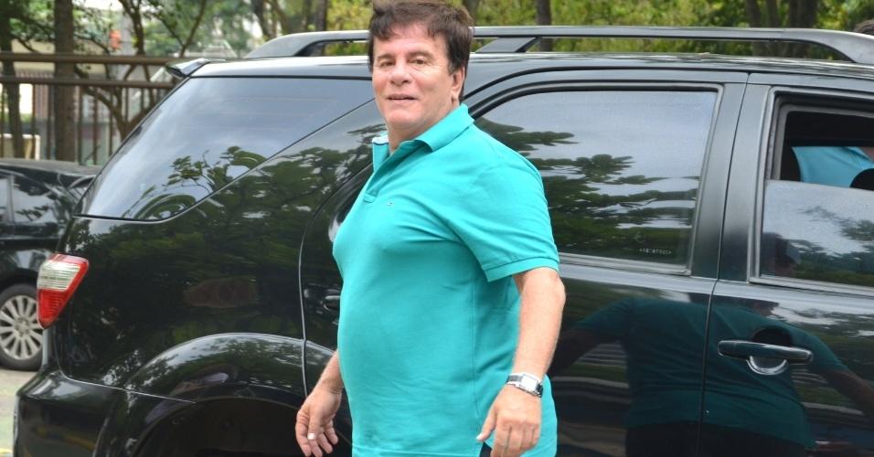 26.out.2014 - Wagner Montes em colégio eleitoral na Barra da Tijuca, no Rio