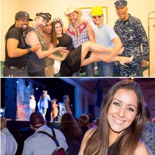 27.out.2014 - Nana Gouvea posou no colo dos integrantes do Village People, em Delaware, nos Estados Unidos. O grupo é produzido por seu marido, Carlos Keyes