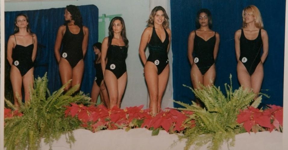 Após concluir o ensino médio, Marcela Temer disputou o concurso e ganhou o título de Miss Paulínia em 2002, aos 19 anos, tornando-se em seguida vice-Miss São Paulo