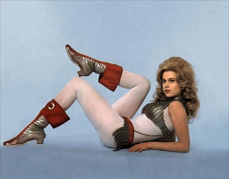 """""""Barbarella""""  filme de ficção científica de 1968, dirigido por Roger Vadim e estrelado por Jane Fonda"""