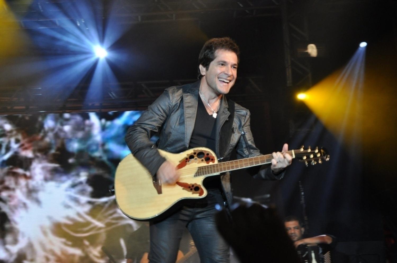 Depois da morte do parceiro João Paulo em 1997, Daniel seguiu carreira solo e continuou sendo uma das maiores referências da música sertaneja. Além de cantor, também é um dos jurados do The Voice brasileiro. Nome completo: José Daniel Camillo.