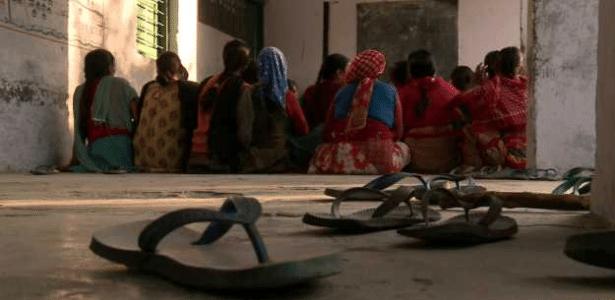 Mitos associam menstruação à impureza e maldição feminina - BBC