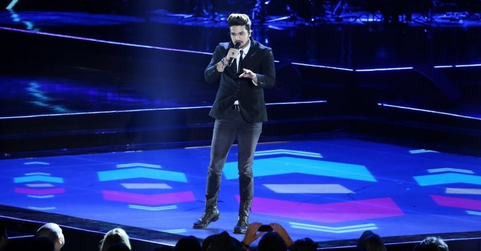 28.out.2014 - Vencedor de duas categorias, Luan Santana se apresenta na 21ª edição do Prêmio Multishow 2014 na Arena da Barra, zona oeste do Rio de Janeiro, na noite desta terça-feira.