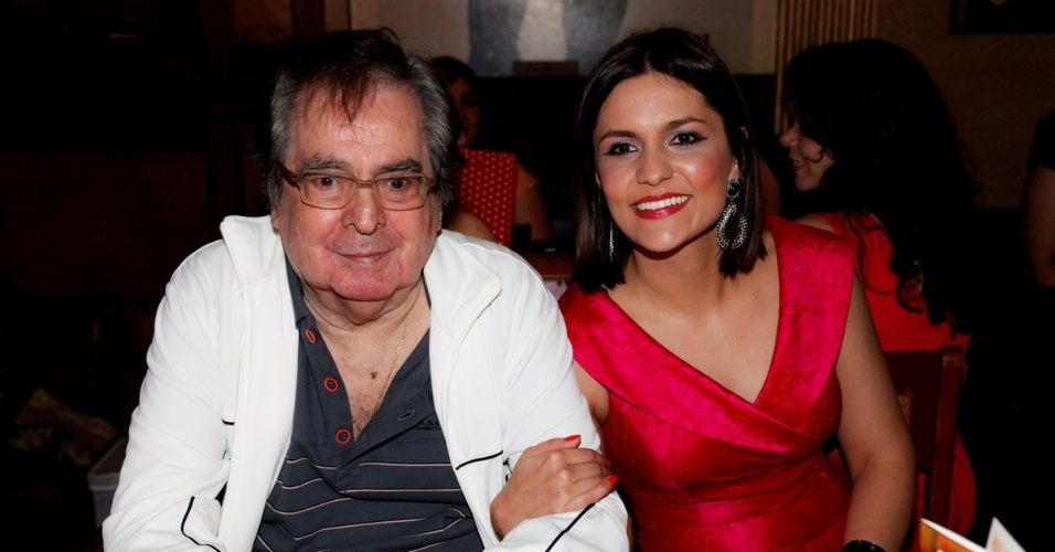 29.out.2014 - Benedito Ruy Barbosa e Paula Barbosa no lançamento de clipe da atriz e cantora em São Paulo