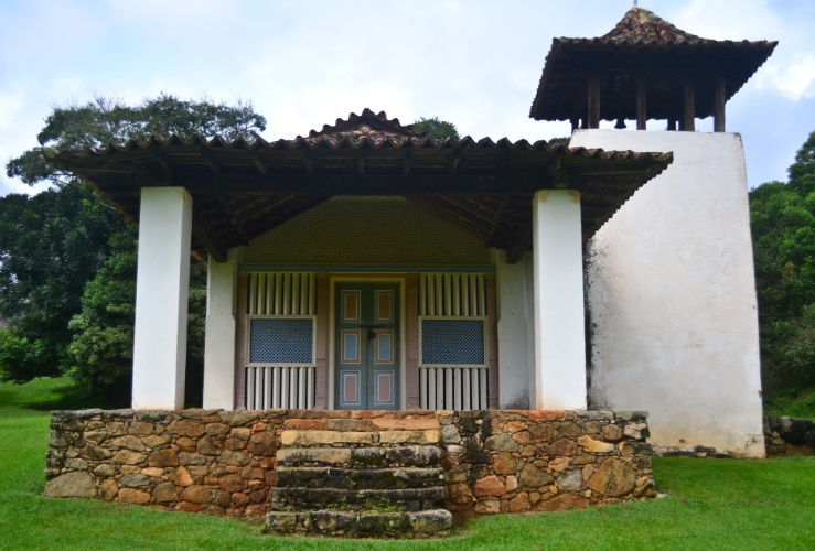 Construído por Fernão Paes de Barros, irmão do fundador da cidade, no século 17, o Sítio de Santo Antônio é composto por uma casa grande e uma capela