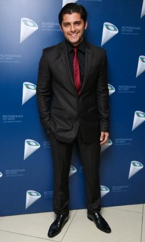 29.out.2014 - Bruno Gissoni joga seu charme no 36º Prêmio Profissionais do Ano da Globo, no HSBC Brasil, zona sul de São Paulo, na noite desta quarta-feira