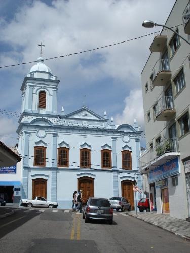 Igreja de São Benedito, construída em 1855, que fica no centro de São Roque