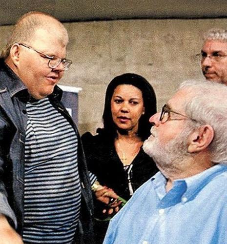 2011 - Jô Soares com o filho, Rafael Soares, em lançamento de seu livro