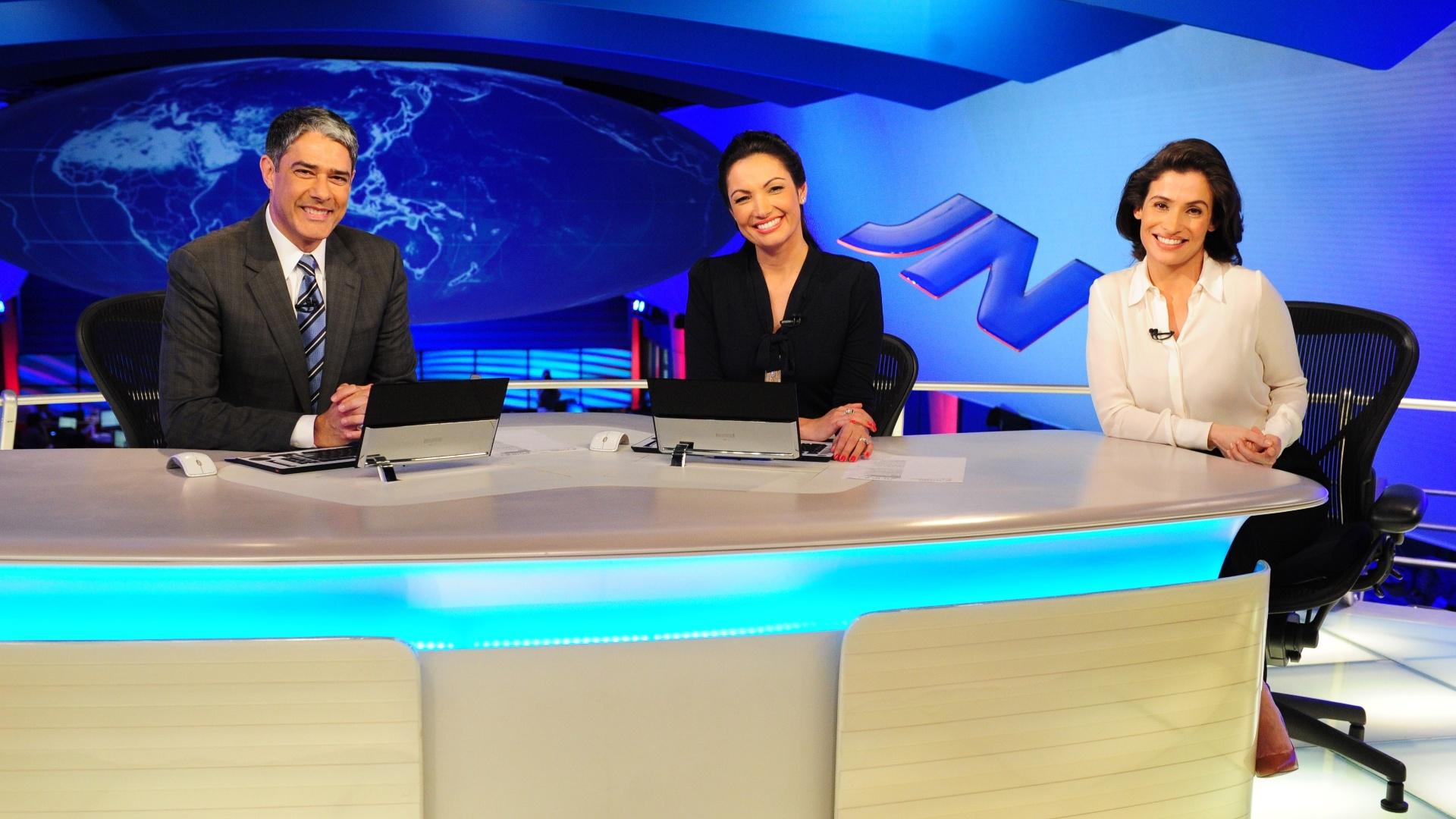 31.out.2014 - William Bonner ao lado de Patrícia Poeta e Renata Vasconcellos no Jornal Nacional