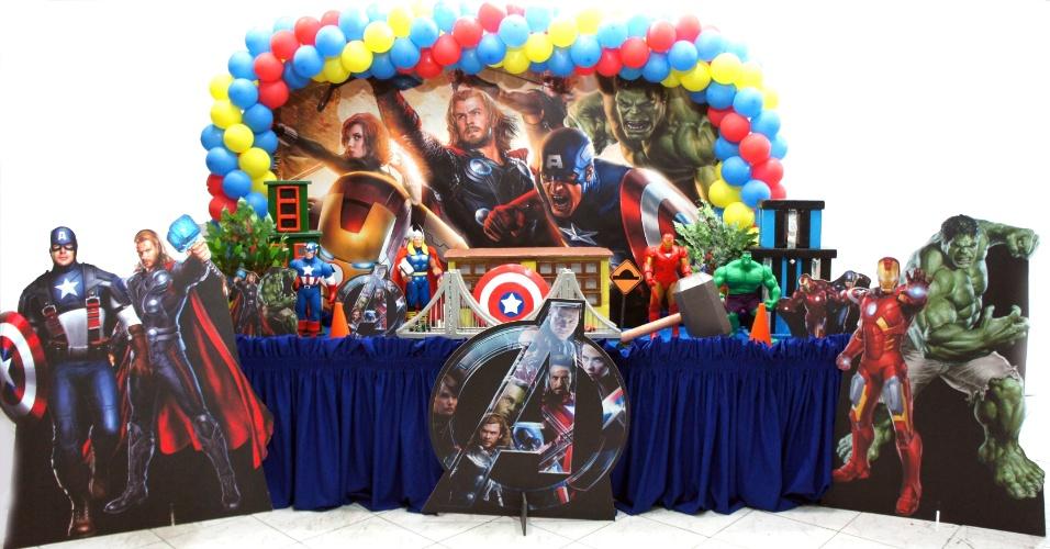 álbum com festas de super-heróis | Festa decorada com inspiração no filme