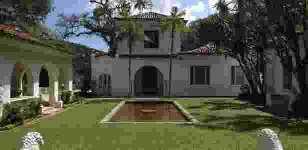 Vista do jardim interno da casa principal no Museu do Açude - Elisa Freitas/UOL - Elisa Freitas/UOL