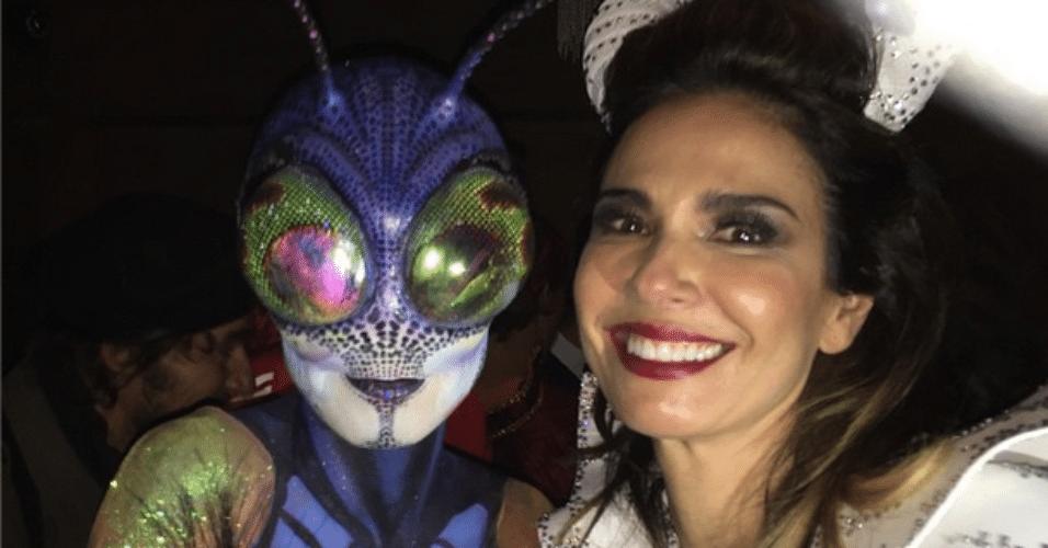 31.out.2014 - Luciana Gimenez vai à festa de Hallowwen de Heidi Klum, em Nova York, nesta sexta-feira