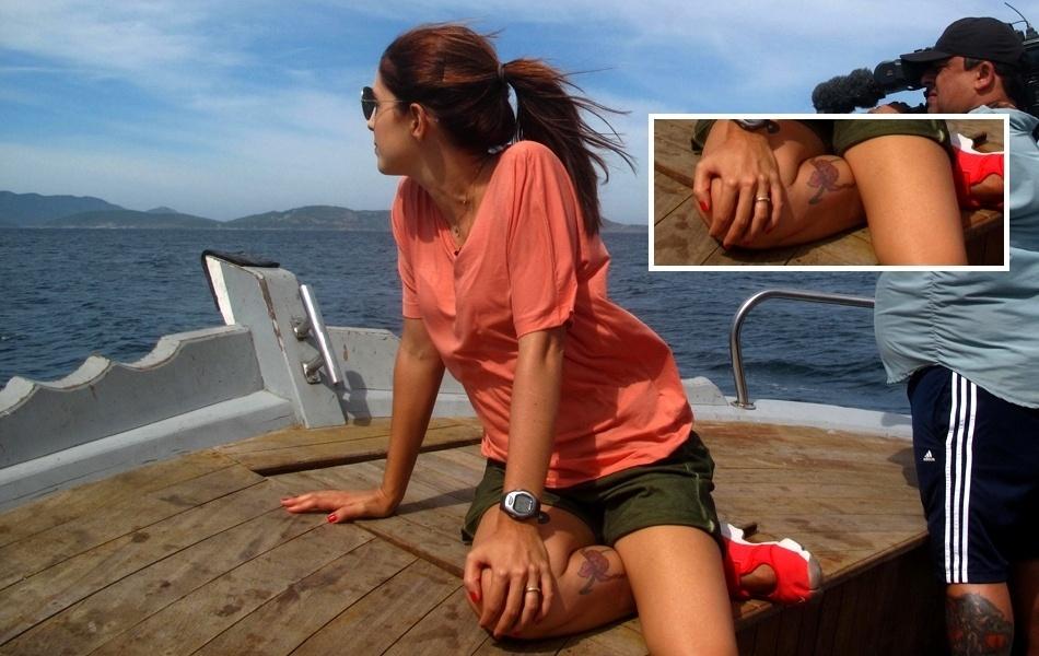 Poliana Abritta conta que fez tatuagem de orquídea na perna aos 14