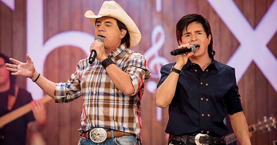 Para os fãs de sertanejo, um dos destaques da programação é o show de Chitãozinho e Xororó marcado para sábado, no Guairão. Ingressos a partir de R$ 86.