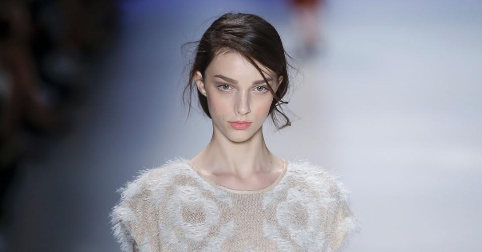 6.nov.2014 - Gig Couture SPFW Inverno 2015