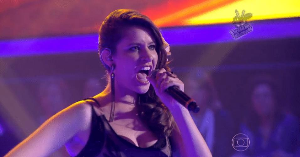 6.nov.2014 - Depois de uma batalha tripla, Carla Casarim canta melhor e é selecionada por Daniel para continuar no The Voice Brasil, nesta quinta-feira