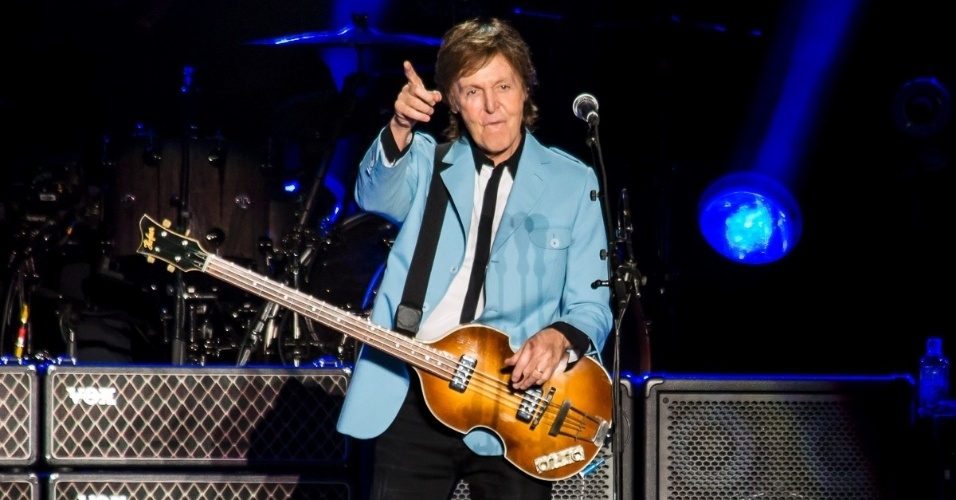 """10.out.2014 - Paul McCartney se apresenta em Vitória (ES) no primeiro show da turnê """"Out There"""" deste ano no Brasil"""