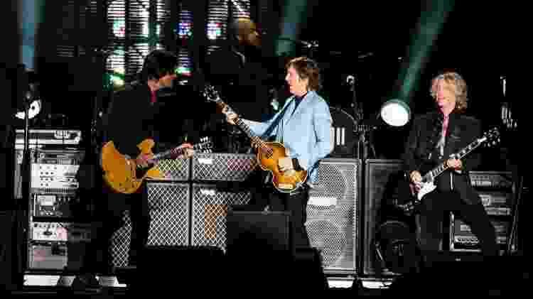 10.nov.2014 - Paul McCartney se apresenta em Cariacica, região metropolitana de Vitória (ES) - Gabriel Lordello/UOL