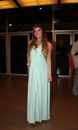 11.nov.2014- Cristiana Oliveira posa sorridente em premiação carioca