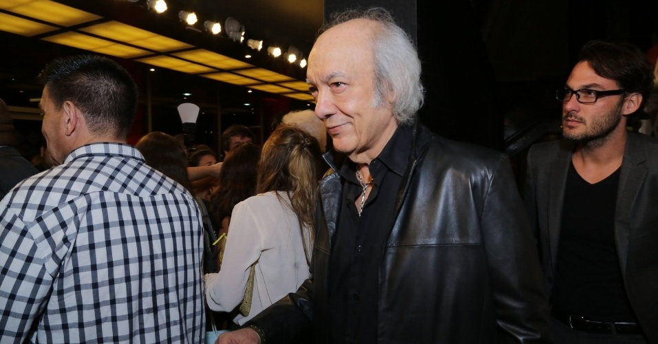 """11.nov.2014- Erasmo Carlos prestigia Prêmio Extra de Televisão. O cantor concorre na categoria Música de Novela com """"Além do Horizonte"""""""
