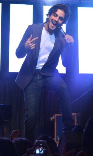 11.nov.2014 - Fiuk solta a voz no palco da 13ª edição do Prêmio Jovem Brasileiro no Palácio das Convenções do Anhembi, na zona norte de São Paulo, na noite desta terça-feira