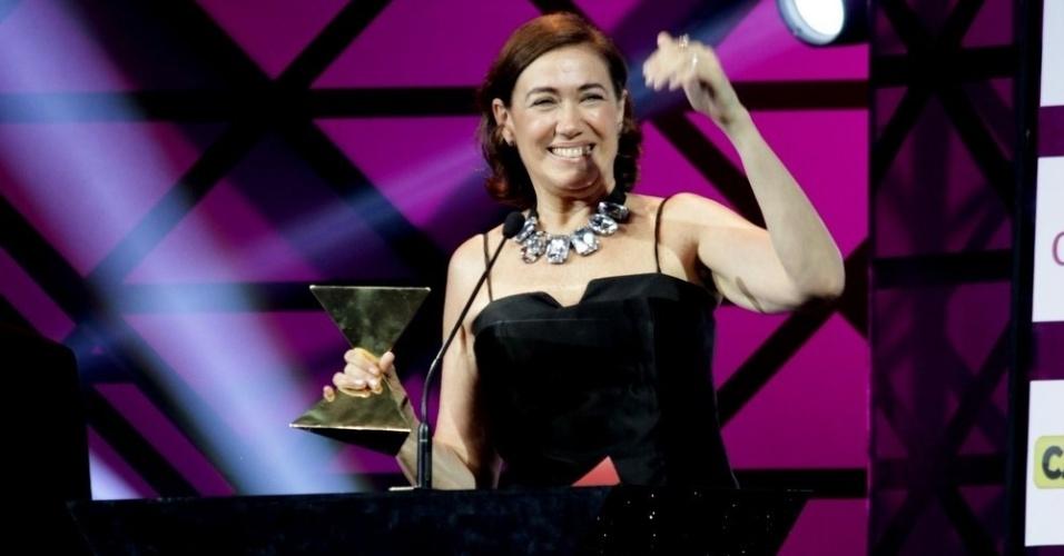 """11.nov.2014- Lilia Cabral comemora prêmio de Melhor Atriz pela Maria Marta de """"Império"""""""