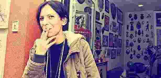 Isola, a rua das motos em Milão: Alice Giavazzi, tatuadora, em frente ao seu ateliê Lady Quetzal - Arthur Caldeira/Infomoto - Arthur Caldeira/Infomoto