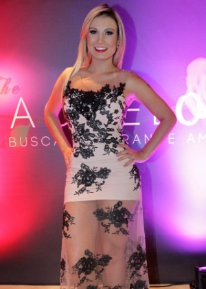 """Andressa Urach durante o lançamento do reality """"The Bachelor"""", na zona sul de São Paulo"""