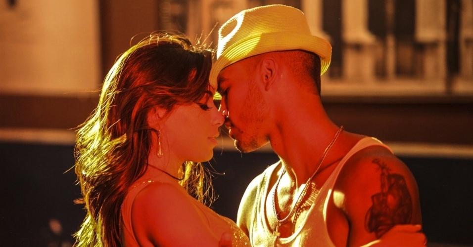 """13.nov.2014 - Anitta grava clipe da música """"Ritmo Perfeito"""", na Estudantina Musical, no Rio de Janeiro. Vídeo foi roteirizado pela própria cantora"""