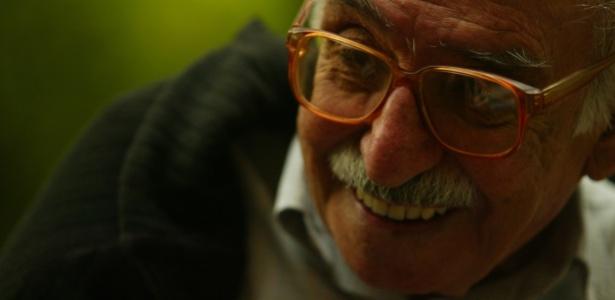9.nov.2004 - O poeta Manoel de Barros - Tuca Vieira/Folha Imagem