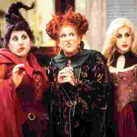 """Kathy Najimy (Mary), Bette Midler (Winnie) e Sarah Jessica Parker (Sarah) em cena de """"Abracadabra"""" - Reprodução - Reprodução"""