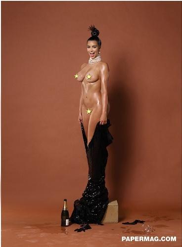 Kim Kardashian fica nua para ensaio da revista americana Paper