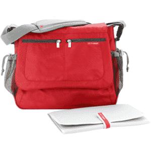 Bolsa modelo Messenger com trocador, da Skip Hop para Bebê Store (www.bebestore.com.br). R$ 199. Preço consultado em novembro de 2014. Sujeito a alteração - Divulgação