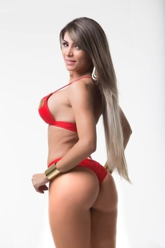 Ana Paula Souza, 27 anos, miss Distrito Federal ficou na 13° colocação na votação popular do concurso na internet