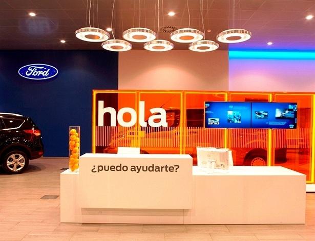 Loja da Ford na Espanha: até tem carro exposto, mas o ponto não é (só) esse - Divulgação