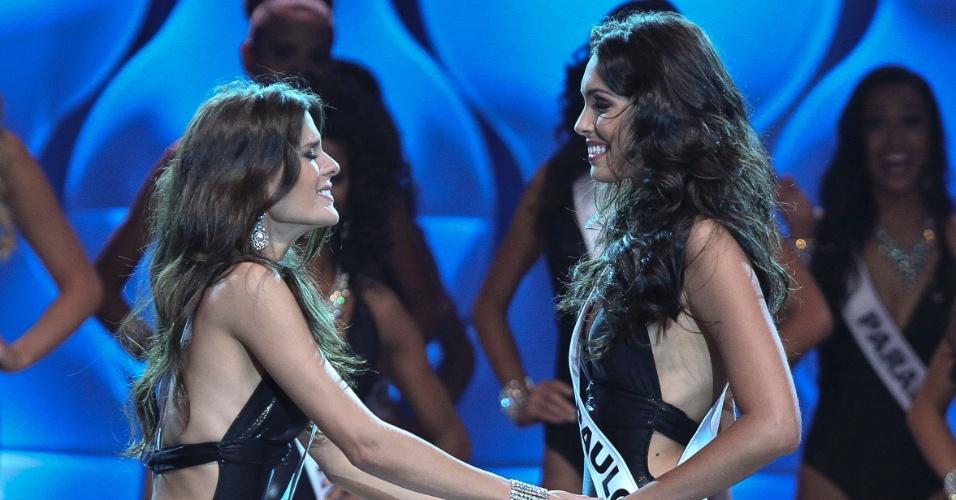 Mais baixa que Fernanda Leme, Miss São Paulo, Melissa Gurgel não escondia a ansiedade momento antes do anúncio da mulher mais bonita do Brasil em 2014