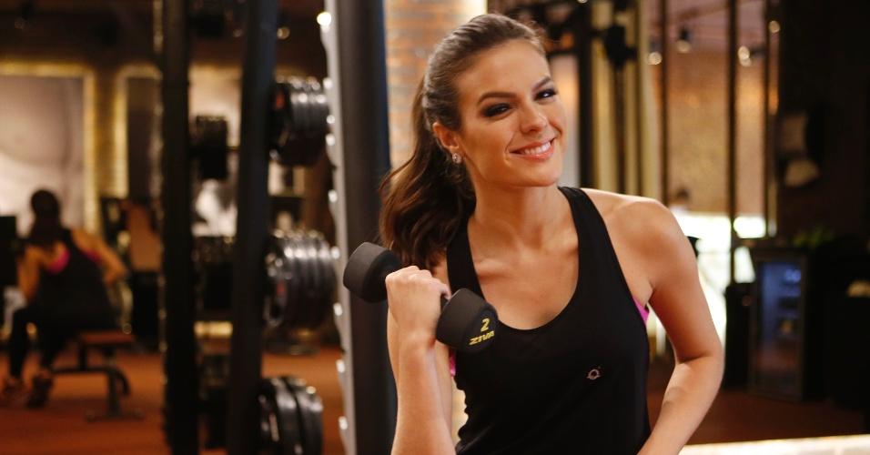 Miss Brasil 2014, Melissa Gurgel mostra o treino de preparação para o concurso de Miss Universo, junto com o personal trainer Rodrigo Sangion, na academia Les Cinq Gym, em São Paulo