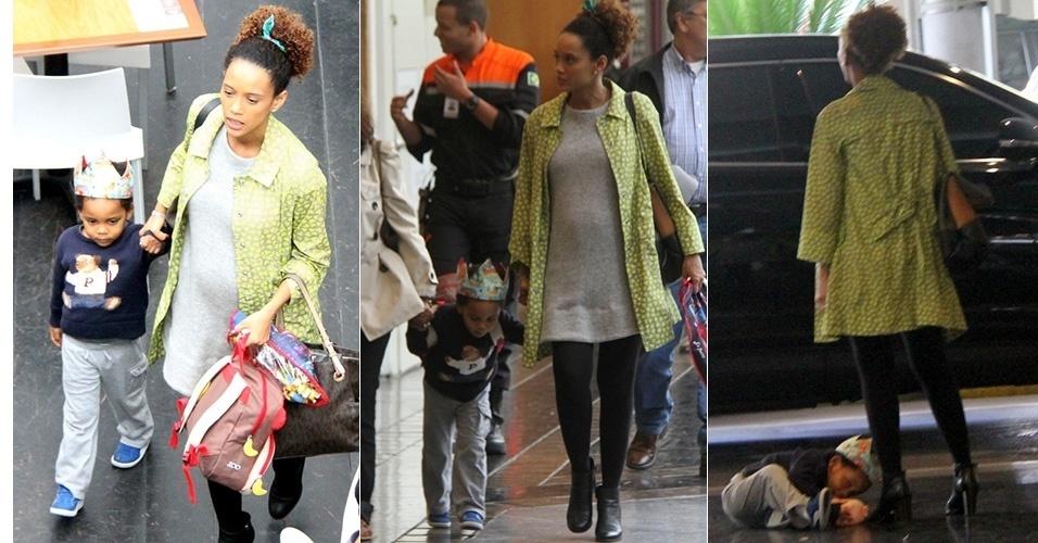 15.nov.2014 - Grávida de seis meses, Taís Araújo levou o filho, João Vicente, ao cinema em um shopping, no Rio.