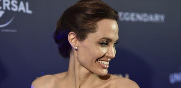 Angelina Jolie sofreu o acidente ao voltar da pré-estreia de seu filme, ?Unbroken?