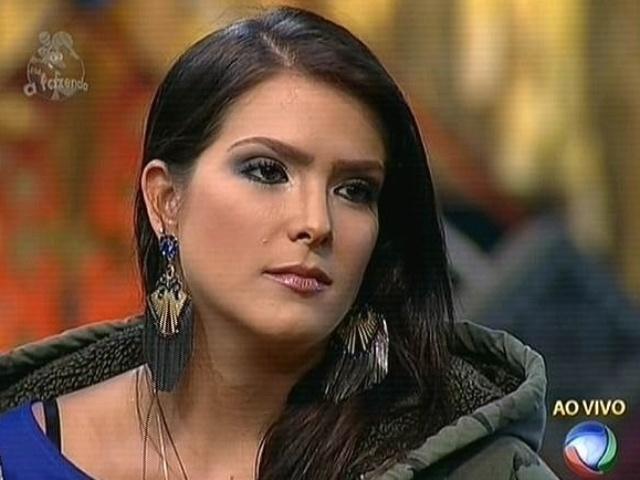 17.nov.2014 - Débora Lyra cita confusão envolvendo término com Marlos Cruz e indica Andréia Sorvetão para a nona roça de