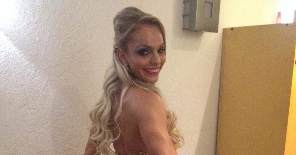 17.nov.2014 - Candidatas do concurso Miss Bumbum medem o tamanho de seus atributos em um hotel no centro de São Paulo, nesta segunda-feira