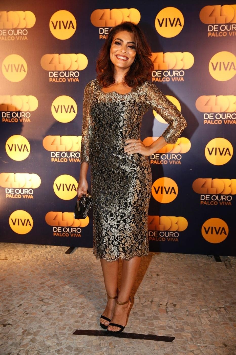 17.nov.2014 - Apresentadora da nova fase, Juliana Paes marca presença na exibição do primeiro